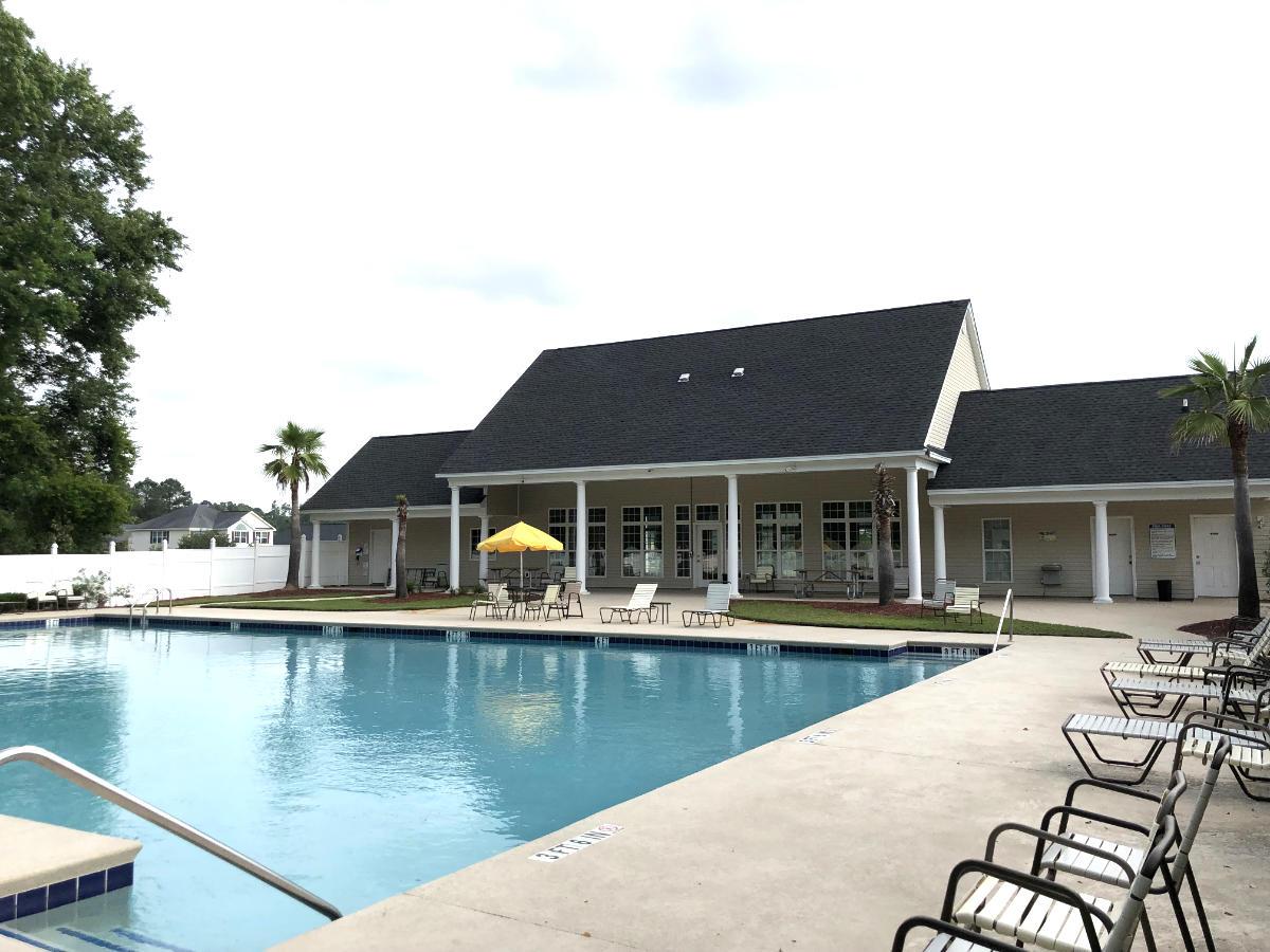 Lake Shore Swimming Pool